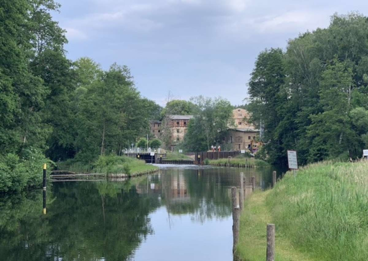Schleuse Steinhavel - Navinfo bei Fürstenberg/Havel