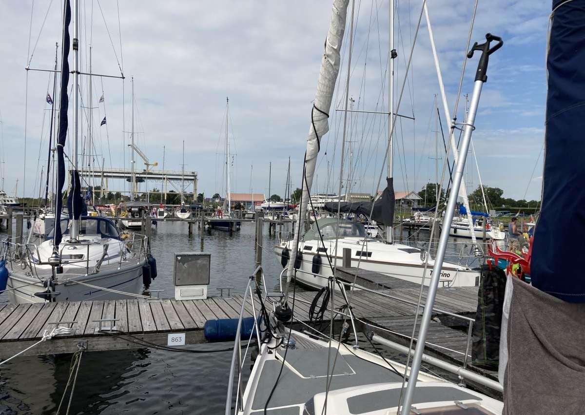 MARINA STAVOREN BUITENHAVEN - Hafen bei Súdwest-Fryslân (Stavoren)