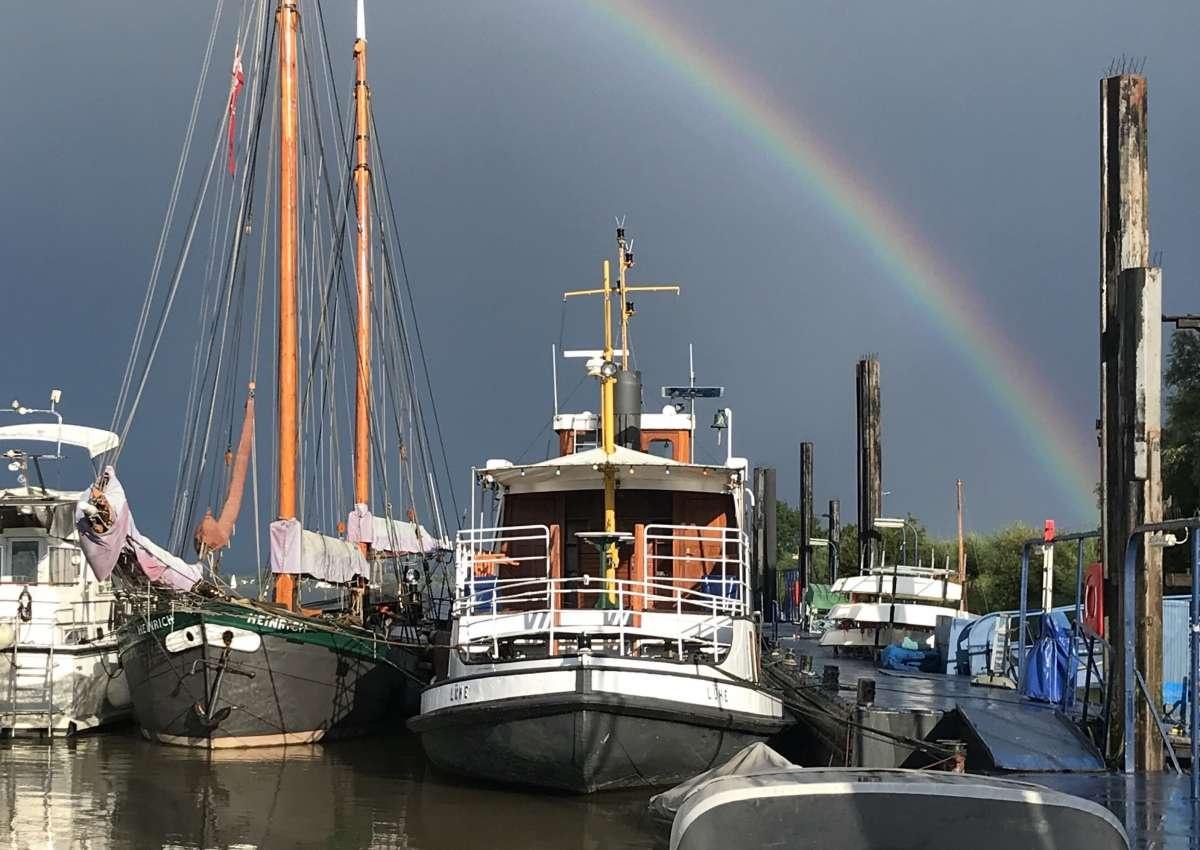 Grünendeich WSC Lühe - Hafen bei Steinkirchen