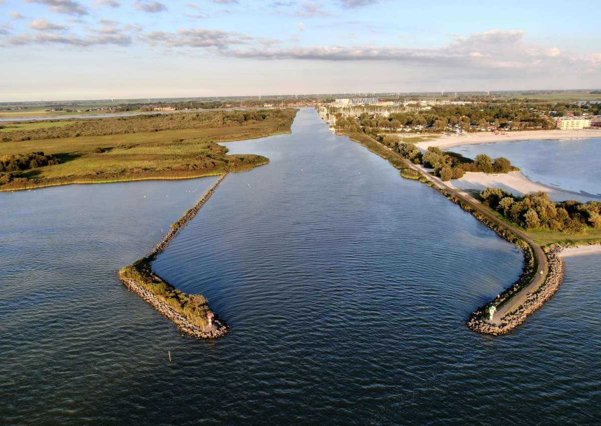Seabell Jachthaven & Scheepsmakelaardij Goliath - Hafen bei Súdwest-Fryslân (Makkum)