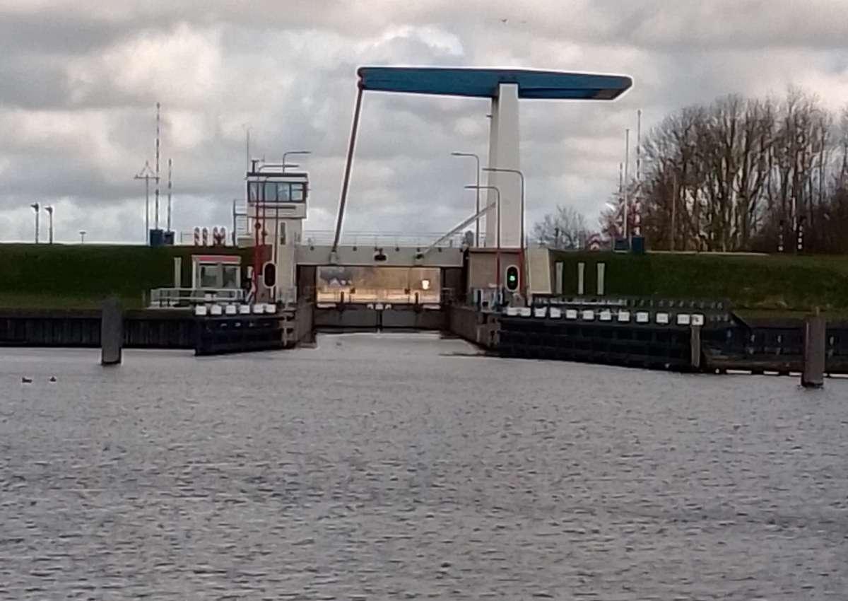 Willem Loresluis - Schleuse bei Noardeast-Fryslân (Engwierum)