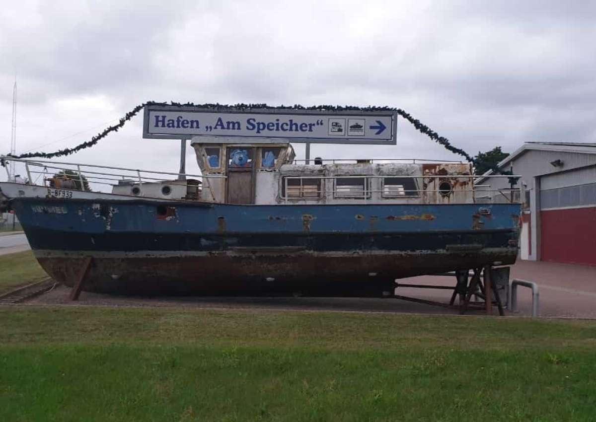 Lübzer Bootspension/ Hafen am Speicher - Marina near Lübz