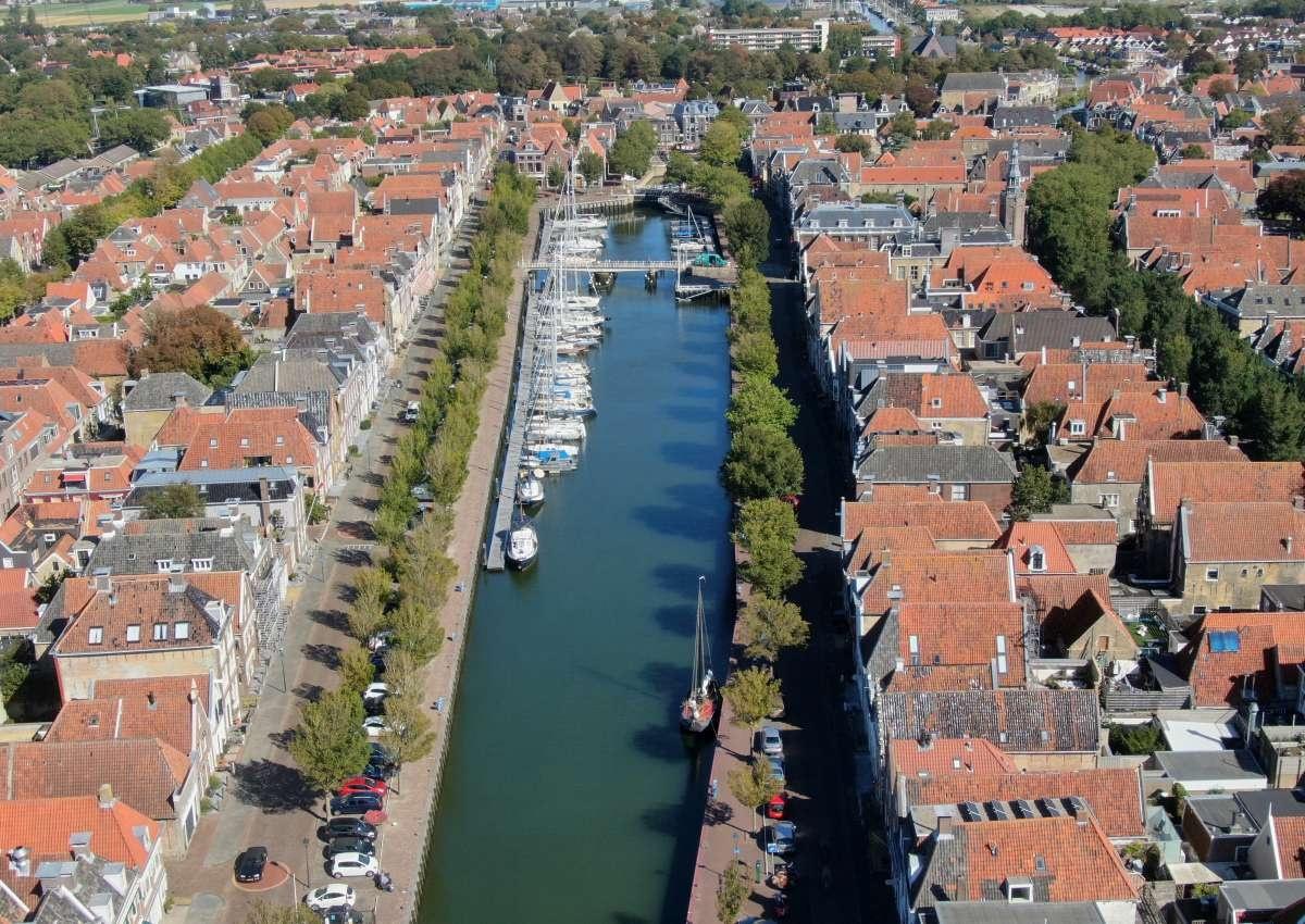 Watersportcentrum De Leeuwenbrug B.V. - Hafen bei Harlingen