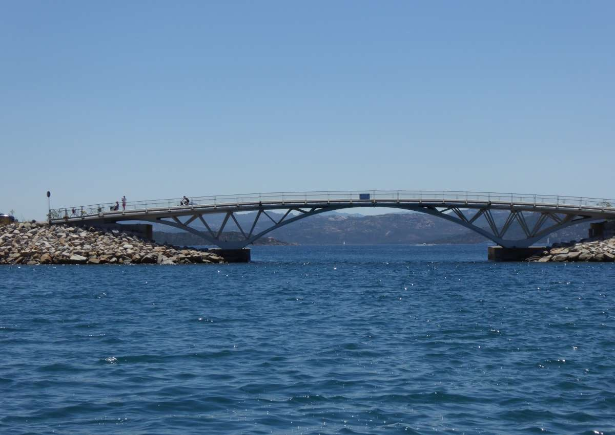 Bridge - Foto bei La Maddalena