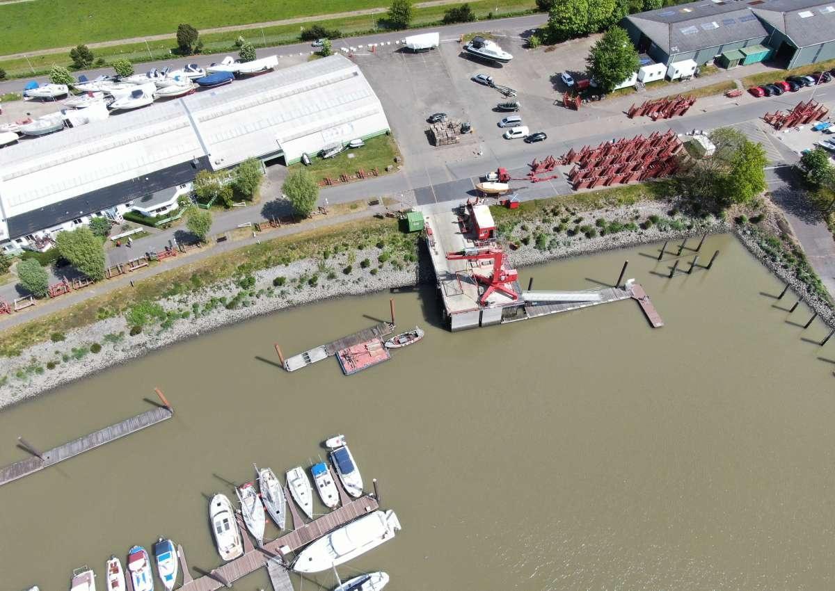 Hamburger Yachthafen West-Anlage - Hafen bei Wedel (Lülanden)