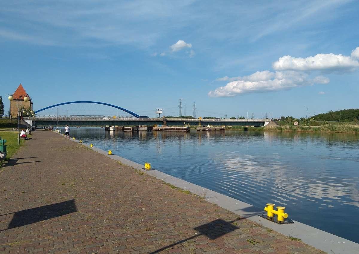 Drehbrücke Wollin / Swing bridge Wollin - Navinfo bei Wolin
