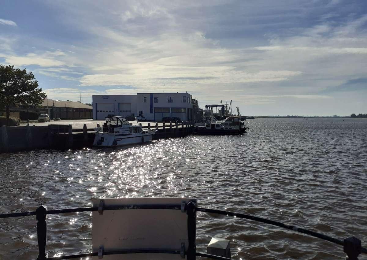 Jachtwerf Gruno B.V. - Hafen bei Het Hogeland (Zoutkamp)