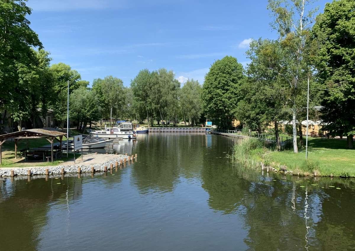 Marina Alter Hafen im Ziegeleipark Mildenberg - Hafen bei Zehdenick
