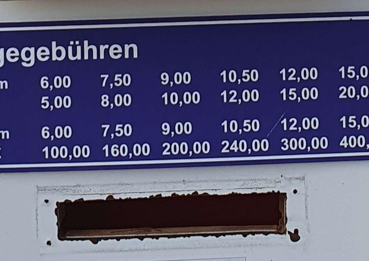 Hamburger Yachthafen Ost - Hafen bei Wedel (Lülanden)