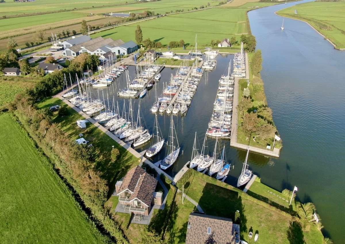 Jachtwerft De Roggebroek - Marina near Súdwest-Fryslân (Stavoren)