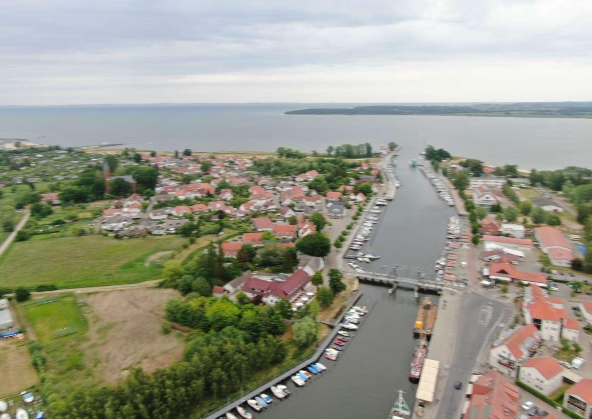 Wieker Klappbrücke - Navinfo bei Greifswald (Wieck)