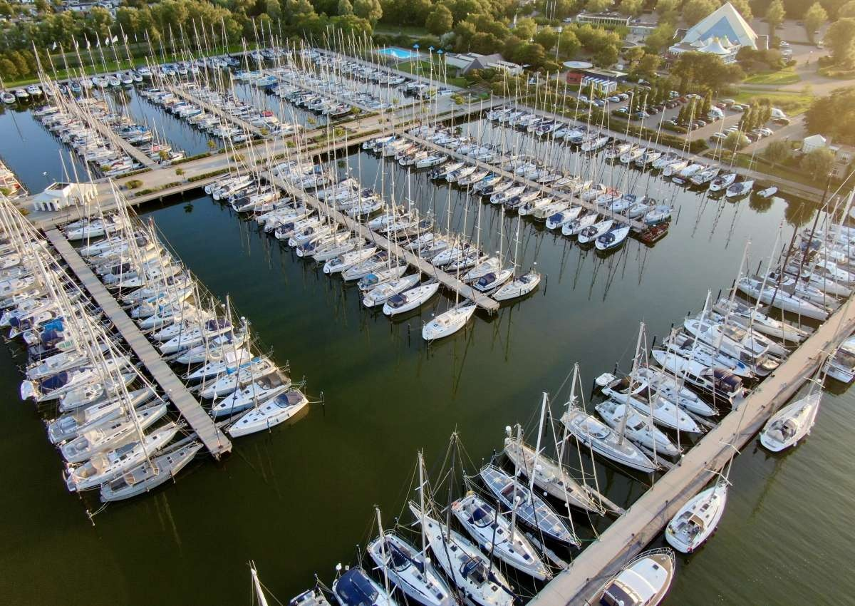 Jachthaven Marina Makkum - Hafen bei Súdwest-Fryslân (Makkum)