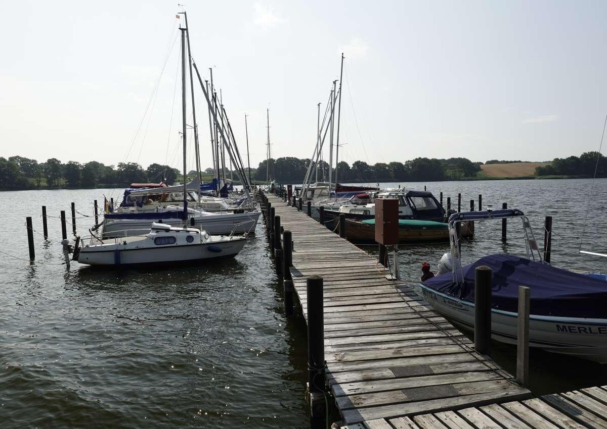 Lindauhof Marina - Hafen bei Lindaunis